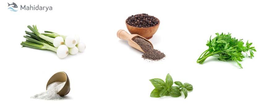 نمک،فلف سیاه،ریحان،جعفری،پیازچه برای طعم دار کردن لابستر